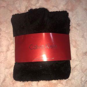 Calvin Klein headband & scarf in black
